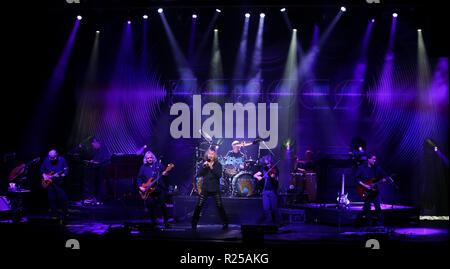 HUNTINGTON, NY - Nov 16: Kansas führt im Paramount am 16. November 2018 in Huntington, New York. Credit: AKPhoto/Alamy leben Nachrichten - Stockfoto
