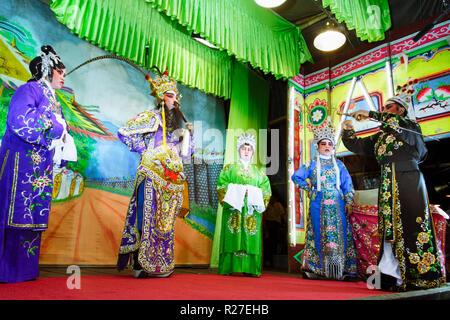 Bangkok, Thailand: Ambulante Chinesische Oper Schauspieler auf der Bühne während einer Tour in Thailand. - Stockfoto