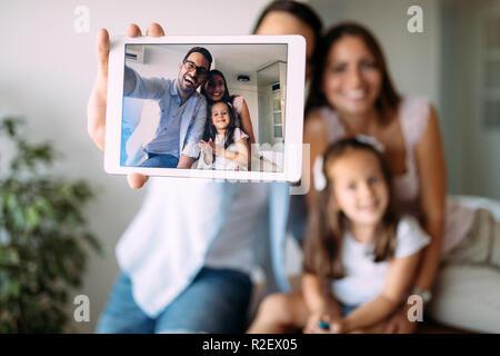 Happy Family Fun Zeit zu Hause in - Stockfoto