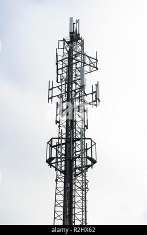 Kommunikation-mast - Stockfoto