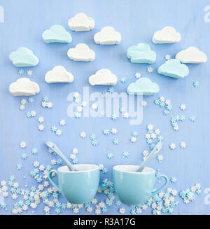 Bunte Marshmallows in Form von Wolken - Stockfoto
