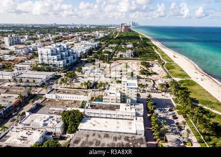 Miami Beach, Florida North Beach Condominium Balkon Antenne Atlantik - Stockfoto