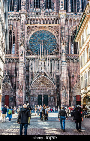 Fassade, Kathedrale Notre-Dame, Straßburg, Elsaß, Bas-Rhin, Frankreich - Stockfoto