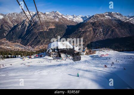 Österreich, Tirol, Sölden, Gaislachkogl Otztal Ski Mountain, mittlere Station - Stockfoto