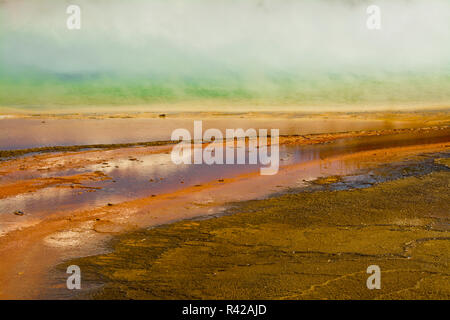 Grand Prismatic Spring, Midway Geyser Basin, Yellowstone National Park, Wyoming, USA - Stockfoto