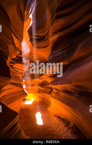 - Schöne von Sandstein Felsformationen in Upper Antelope Canyon, Page, Arizona, USA - Stockfoto