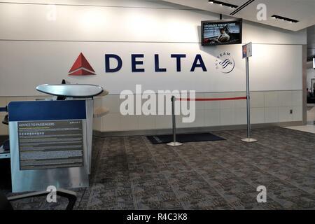 Leere Tor in internationalen Flughafen Hartsfield-Jackson Atlanta, Atlanta, Georgia, USA. - Stockfoto