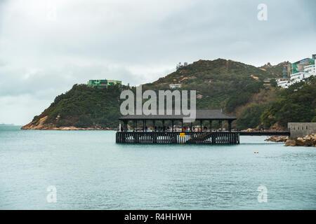 Stanley Blake Pier ist eine der beliebtesten Sehenswürdigkeiten von Stanley, einer Küstenstadt auf Hong Kong Island - Stockfoto