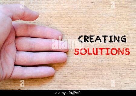 Erstellen von Lösungen text Konzept - Stockfoto