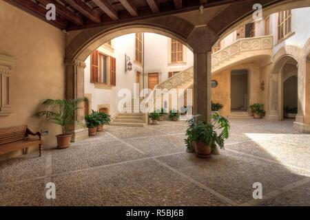 Spanien, Balearen, Mallorca, Palma De Mallorca, mallorquinischen Innenhof - Stockfoto