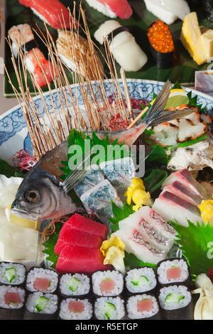 Japan, Tokio, Tsukiji, Sushi Shop-Schaufenster - Stockfoto