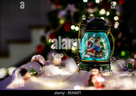 schneemann weihnachten globus mit schnee flaches design. Black Bedroom Furniture Sets. Home Design Ideas