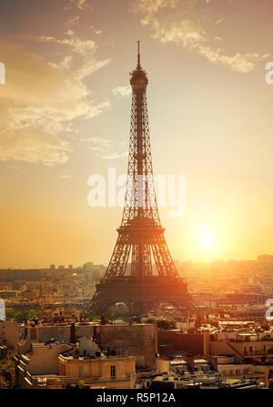 Stadtbild mit Eiffelturm - Stockfoto