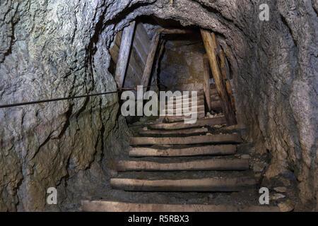 Die Lagazuoi Tunnel, der Erste Weltkrieg. Die Dolomiten - Stockfoto