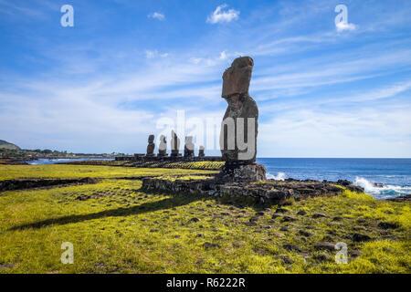 Moais Statuen, Ahu Tahai, Osterinsel - Stockfoto