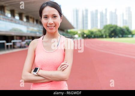 Sport Frau an Sport Komplex - Stockfoto