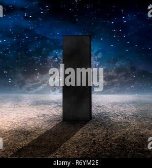 Seltsame Monolith auf leblosen Planeten - Stockfoto