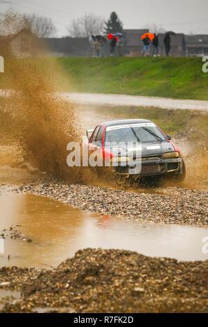 Sveta Nedelja, Kroatien - 25. November 2018. 9 Rally zeigen Santa Domenica. Daniel Vojvodic und Tajana Vojvodic aus Kroatien Racing im Mitsubishi - Stockfoto