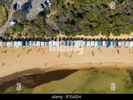 Luftbild von Oben nach Unten Blick in Brighton Baden Boxen in Melbourne - Stockfoto