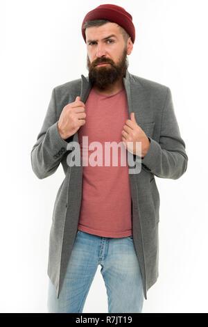 9344a81f9d6a Stilvolle casual Outfit. Menswear und Fashion Concept. Man bärtige hipster  Elegante modische Mantel und