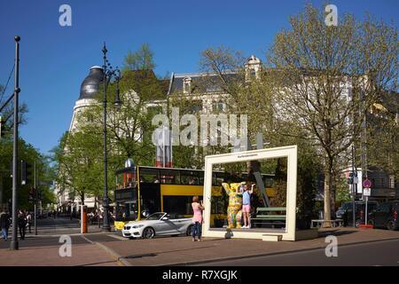 Deutschland, Berlin, Charlottenburg, Kurfürstendamm, 3,5 km Avenue beschrieben als die deutschen Champs Elysees, Buddy Bar des französischen Künstlers Bruno di Martino - Stockfoto