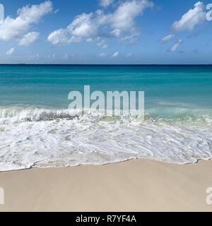 Aruba Beach-tropischen weißen Sandstrand mit aquamarinblauen Wasser - Divi Strand ist ein top Aruba Urlaub in der Karibik - Niederländische Insel/Leeward Inseln