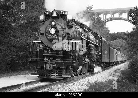 """Nickel Plate Road Nr. 765 ist ein 2-8-4 """"Berkshire' Typ Dampflokomotive für die Nickel Plate Road 1944 gebaut von der Lima Locomotive Works in Lima, O - Stockfoto"""