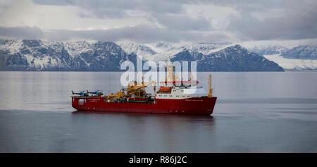 RRS Ernest Shackleton in der Nordwestpassage 2016 - Stockfoto