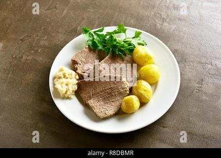 Gekochtes Rindfleisch Mit Kartoffeln Und Meerrettich Tafelspitz