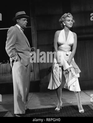 """Tom Ewell, Marilyn Monroe, """"Das verflixte Siebte Jahr"""" (1955) Twentieth Century Fox Datei Referenz # 33635 561 THA"""