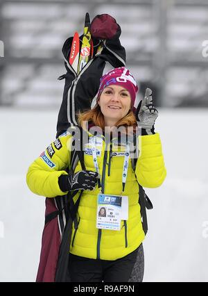 Katerina Emmons, Ratgeber für die Aufnahme der Tschechischen Biathlon team, während die 2018 IBU Weltcup Biathlon in Nové Město na Moravě gesehen, der Tschechischen Republik, am 21. Dezember 2018. (CTK Photo/Lubos Pavlicek) - Stockfoto