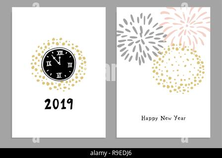 Satz von Frohes Neues Jahr 2019 Grußkarten, Einladungen mit Hand gezeichnet Uhren und Feuerwerk. Isolierte Vektorgrafiken, weisser Hintergrund. - Stockfoto