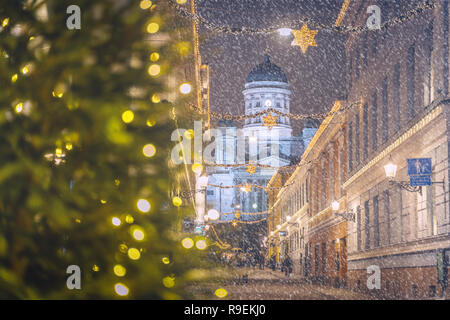 Ansicht der Kathedrale (Helsingin tuomiokirkko Nikolainkirkko) in Helsinki, Finnland - Stockfoto