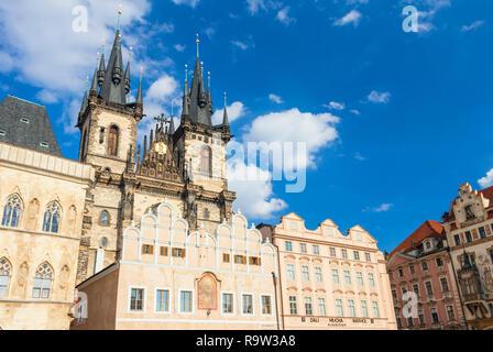 Prag, die Kirche der Muttergottes vor dem Tyn Prague Old Town Square Staré Město Prag Tschechische Republik EU Europa - Stockfoto