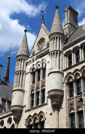 London, UK - Royal Courts of Justice auf der Faser. - Stockfoto