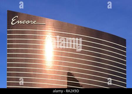 Die reflektierende bronze Gebäude ist eine Besonderheit des Encore Resort Hotel und Casino mit im Besitz von Steve Wynn auf dem Strip in Las Vegas, NV - Stockfoto