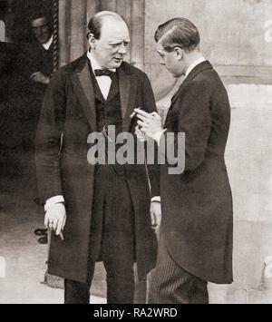 Winston Churchill, hier 1919 gesehen mit dem Prinzen von Wales, Zukunft Edward VIII. Sir Winston Leonard Spencer-Churchill, 1874 - 1965. Britischer Politiker, Staatsmann, Offizier und Schriftsteller, der Premierminister des Vereinigten Königreichs von 1940 bis 1945 und erneut von 1951 bis 1955. - Stockfoto