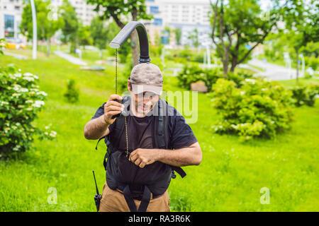 Kameramann Einrichten heavy duty Professional 3-Achs gimbal Stabilisator für Cinema Kamera - Stockfoto