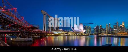 Marina Bay Sands Hotel, Kunst Science Museum, das Stadtbild und Helix Bridge - Singapur - Stockfoto