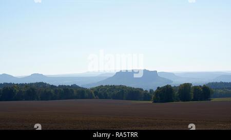 Blick auf den Lilienstein in der Sächsischen Schweiz - Stockfoto