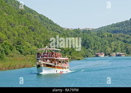 Bootsfahrt von Skradin zu Nationalpark Krka, Dalmatien, Kroatien - Stockfoto