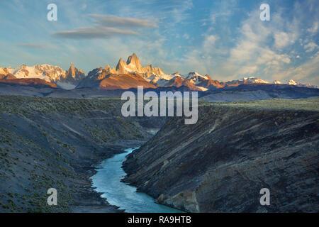 Mount Fitz Roy im frühen Morgenlicht in Patagonien, Argentinien. - Stockfoto