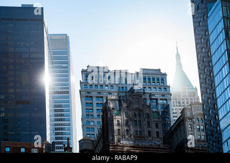 Nahaufnahme der Einige Wolkenkratzer in Manhattan, New York City, USA. - Stockfoto