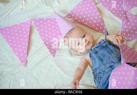 Meine besten kleinen Freund. Süße kleine Baby. Neues Leben und Geburt. Kindheit Glück. Portrait von glücklichen kleinen Kind. Kleines Mädchen. Alles Gute zum Geburtstag. Familie. - Stockfoto