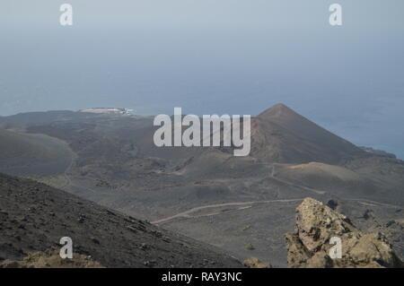 Die herrliche Aussicht vom höchsten Der San Antonio Vulkan auf der Insel La Palma Auf den Kanarischen Inseln. Reisen, Natur, Urlaub, Geologie. Juli 8. - Stockfoto