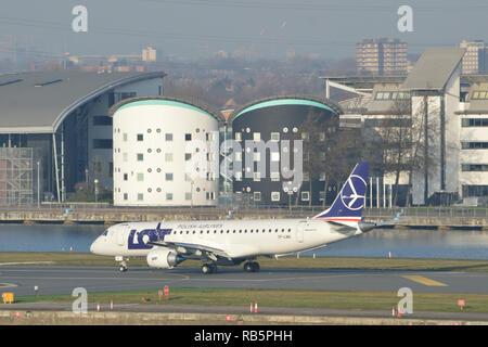 Viele Airlines Flugzeug tun Ausbildung der Besatzung am London City Airport - Stockfoto