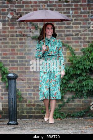 Die Herzogin von Cambridge, kommt für einen Besuch in der Wanne Garten auf dem Gelände des Kensington Palace.