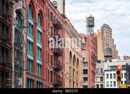 Ansicht der alten Gebäude auf Franklin Straße im Viertel Tribeca in Manhattan, New York City NYC - Stockfoto
