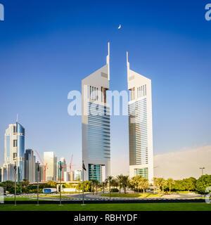 Emirates Towers in Dubai Financial District Gehäuse Büros und Jumeirah Emirates Towers Hotel - Stockfoto