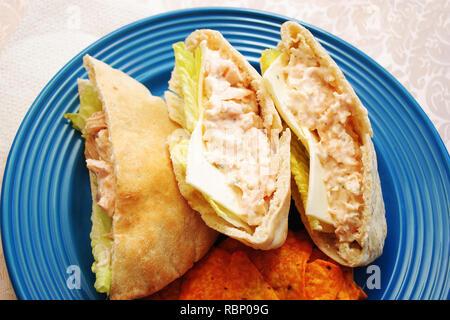 Hähnchen-Salat Pita Tasche Sandwiches zum Mittagessen - Stockfoto